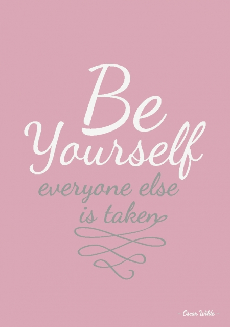 QUOTE POSTKAART BE YOURSELF EVERYONE ELSE IS TAKEN