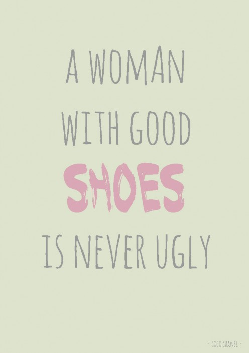 QUOTE POSTKAART A WOMAN WITH GOOD SHOES IS NEVER UGLY