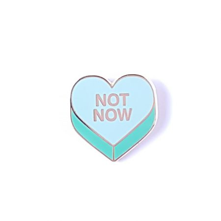 PIN SNOEPHARTJE NOT NOW MINT