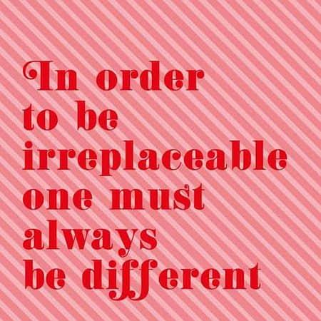 POSTKAART IN ORDER TO BE IRREPLACEABLE