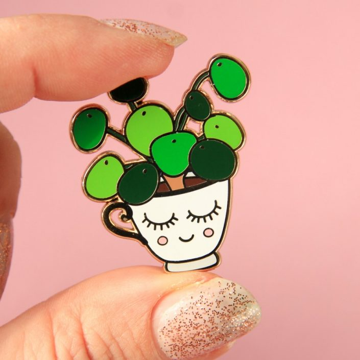 PIN PILEA WIT